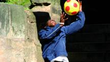 Mit Dem Ball Durchs Leben